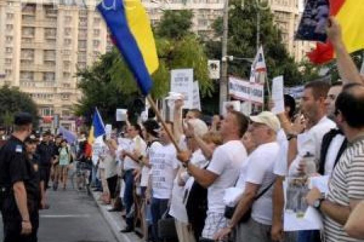 Salariații Agenției pentru Protecția Mediului Cluj protestează la București. Ei cer salarii mai mari