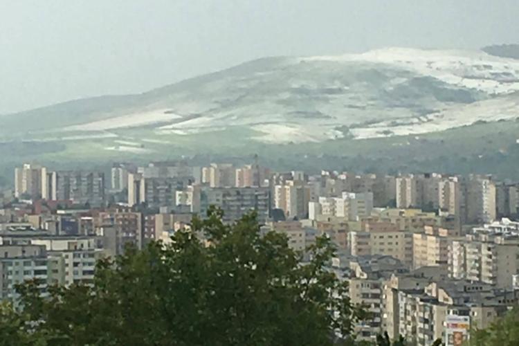 Grindina a acoperit dealurile Clujului cu un strat de gheață - FOTO