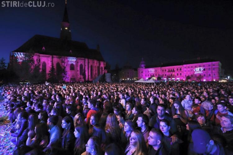 ZILELE CLUJULUI: Mii de oameni la concerte. Cu ce vedetă s-a pozat Emil Boc - FOTO