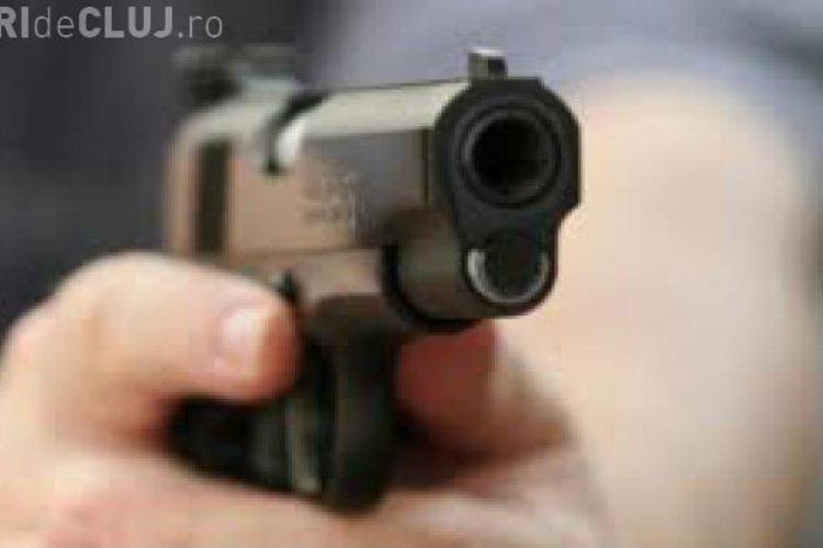 Jaf armat la Raiffeisen Bank Bistrița! Atacatorul BĂNCII a fugit cu o importantă sumă de bani