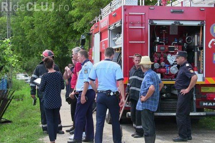 Tragedie într-o comună clujeană! Un bătrân a ars de viu în urma unei explozii VIDEO