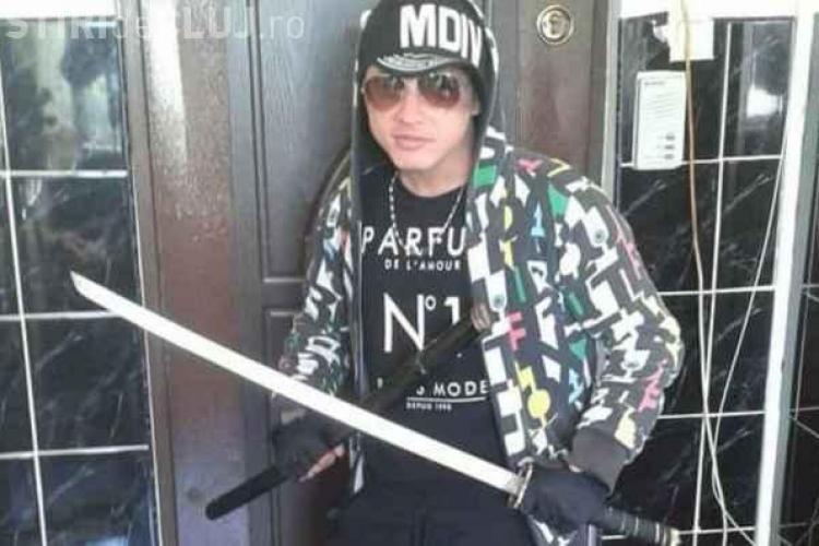 Un tânăr din Mănăștur a stârnit panică! A ieșit pe stradă cu o sabie ninja și un topor