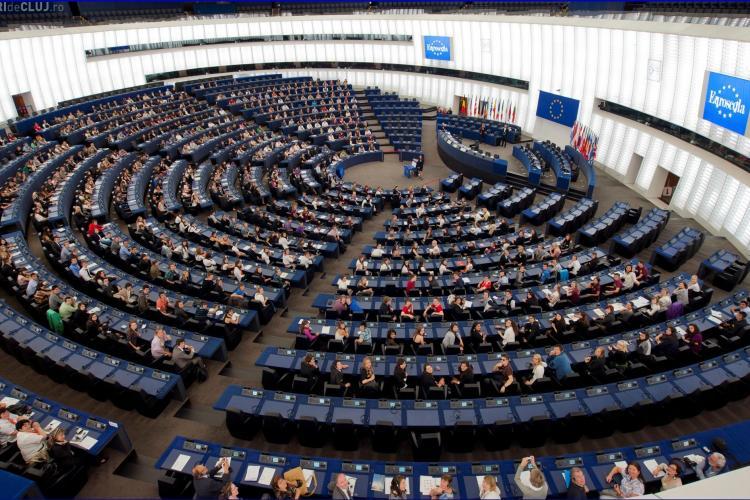 Replici acide în Parlamentul European. I se cere Marii Britanii să se retragă repede din UE - VIDEO