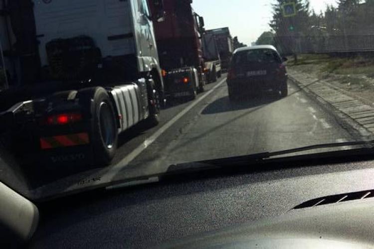 Floreștiul este blocat de TIR -uri - FOTO