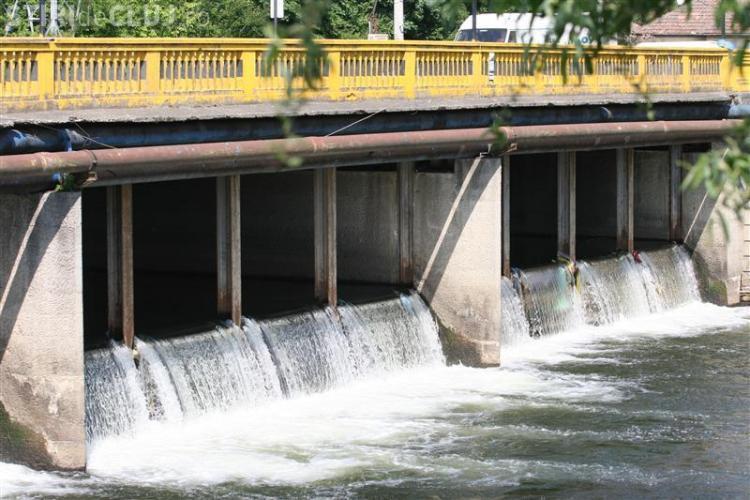 Descoperire macabră la podul din Grigorescu, în râul Someșul Mic