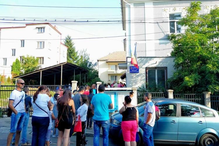 Cozi la pașapoarte, în Cluj. Dacă în fiecare vară e la fel, de ce nu se iau măsuri - FOTO