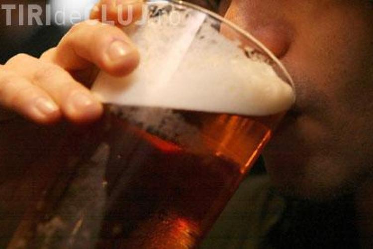 Analiză INS: Câtă bere beau românii într-o singură lună