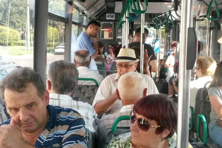 """Căldură insuportabilă în autobuz la Cluj: """"Cineva poate muri!"""""""