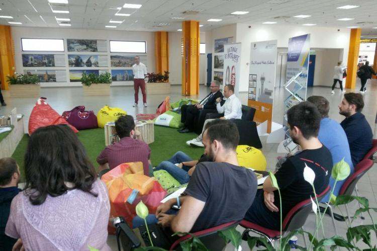 Prima bibliotecă cu spațiu de relaxare, inaugurată la Aeroportul Cluj FOTO