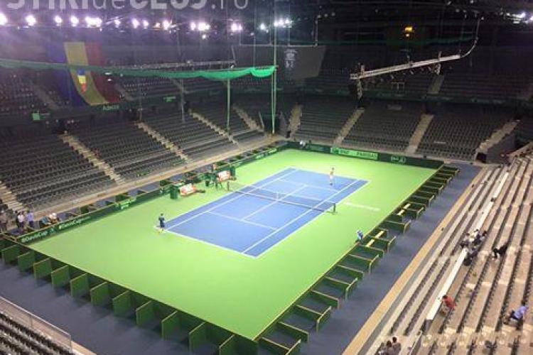 Sala Polivalentă din Cluj e pregătită pentru meciul de tenis România-Spania. Clujenii pot participa la antrenamentele jucătorilor