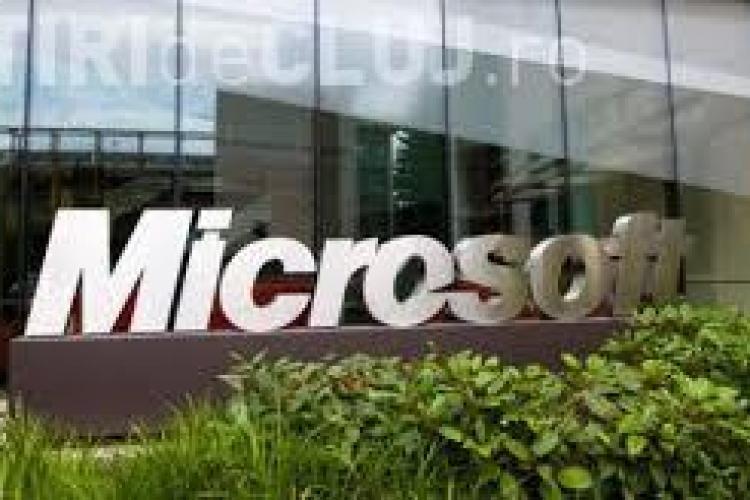 Microsoft a plătit daune de 10.000 de dolari unei utilizatoare Windows. Ce a pățit femeia