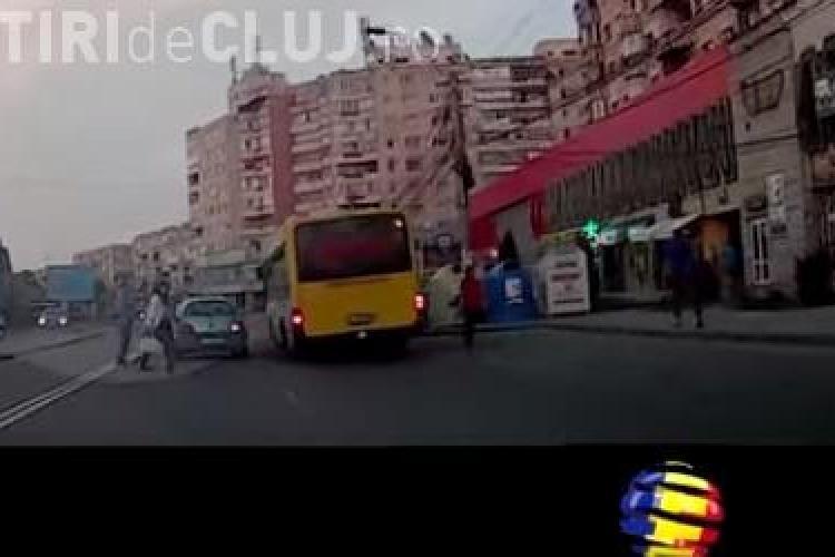 """Cum vrea o clujeancă să """"ușureze"""" traficul în oraș: Să li se interzică viniturilor să staționeze în oraș"""