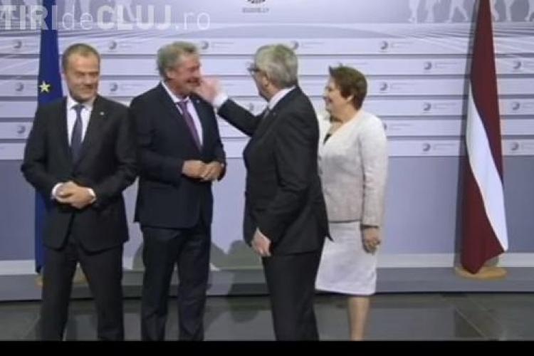 Șeful Comisiei Europene, surprins în timp ce pălmuia mai mulți lideri europeni VIDEO