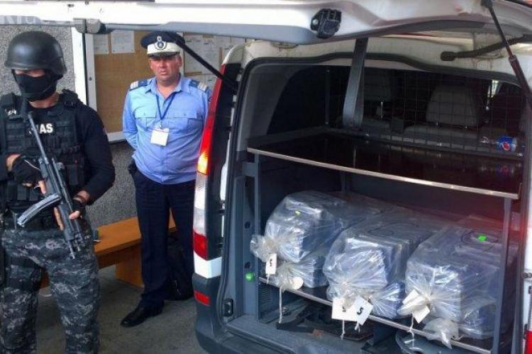 2,5 tone de COCAINĂ descoperite de Poliția Română într-un transport de banane