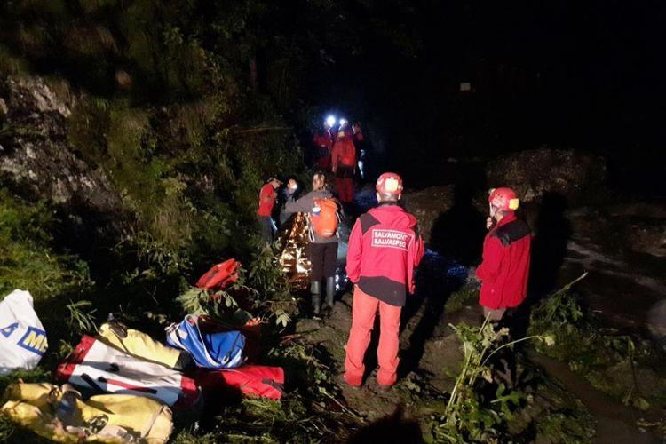 Salvamontiștii clujeni prezenți la acţiune de salvare de la peştera Huda lui Papară din munţii Apuseni
