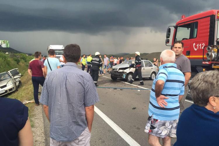 Accident între Gilău și Căpuș. Șase persoane au fost rănite - FOTO