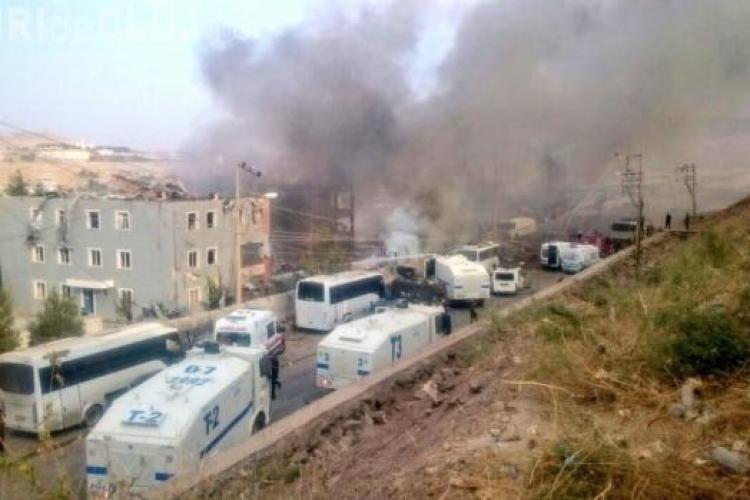Atentat cu mașină-capcană în Turcia! Cel puțin 11 persoane au murit, iar alte 45 au fost rănite