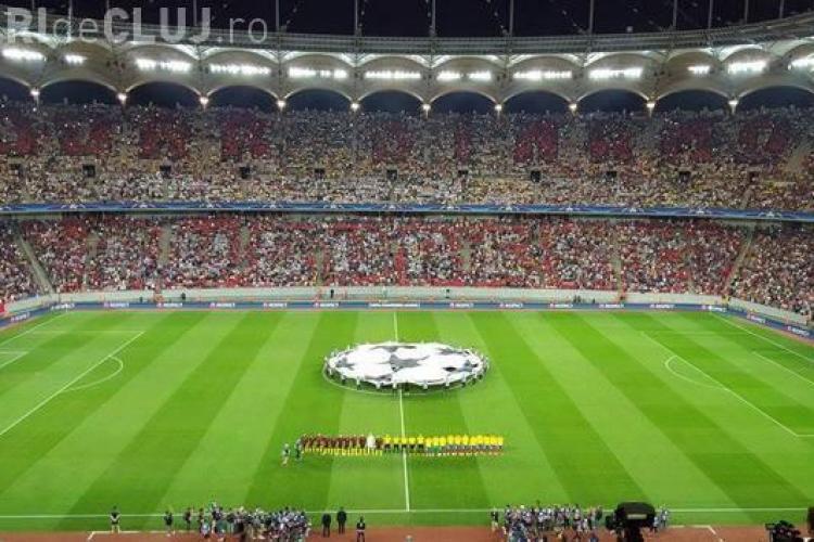 """Dinamo a umilit Steaua la meciul cu Manchester. Mesajul """"Doar Dinamo Bucureşti"""" a apărut în tribună - VIDEO"""