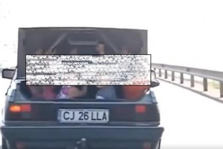 Mai INCONȘTIENT de atât, e greu! Ce transportă un clujean în portbagaj - VIDEO