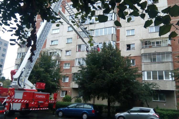Pompierii au intervenit cu autospeciala cu scară pe Dorobanților - FOTO