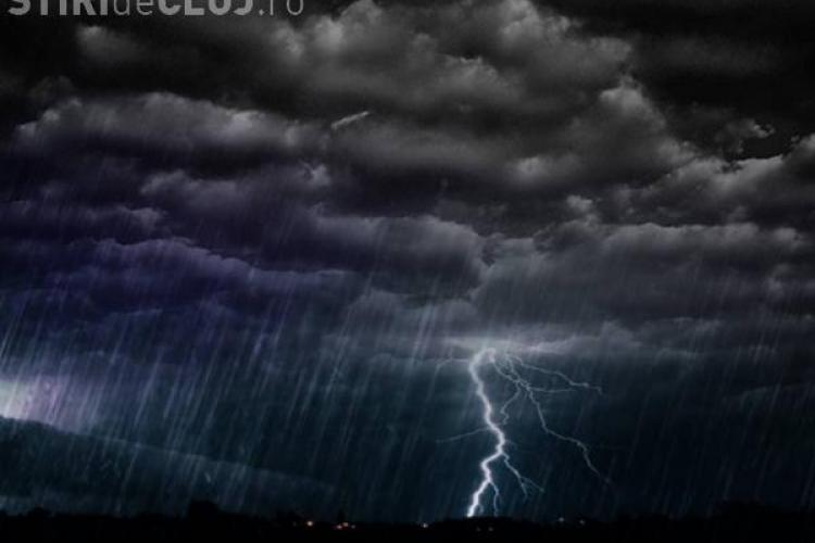 COD GALBEN de ploi torențiale și descărcări electrice la Cluj. Ce anunță meteorologii