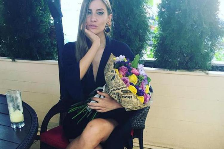 Iulia Albu a desființat vestimentația Deliei de la concertul Rihannei