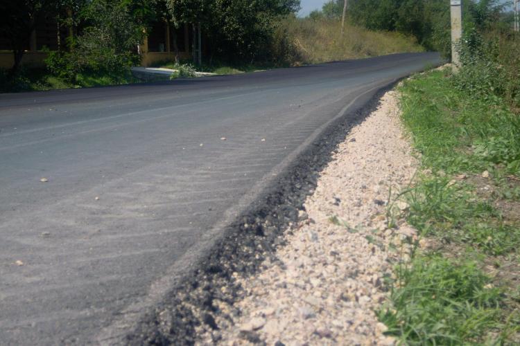 Drumul judeţean Fundătura-Cornești a fost asfaltat - FOTO