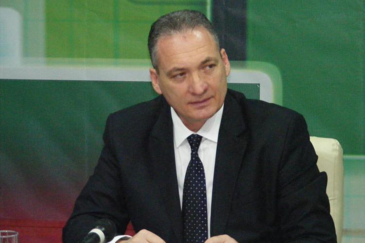 PNL Cluj: Senatorul Alexandru Cordoş a votat împotriva cercetării penale a lui Gabriel Oprea