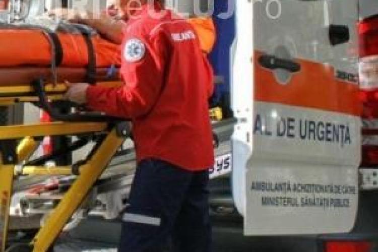 Bătrână accidentată grav la Dej. A fost lovită de motocicletă în timpă ce traversa neregulamentar VIDEO