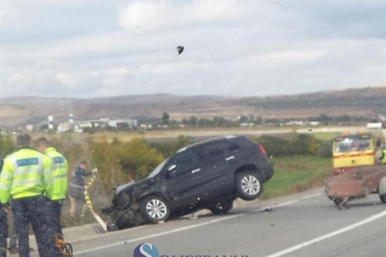 Accident cu o victimă pe centura ocolitoare a Clujului. Un șofer a ajuns cu SUV-ul în șanț