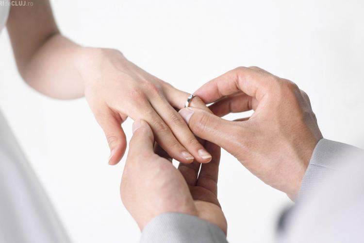 Proiect de lege ȘOC! Tinerii sub 35 de ani să primească 15.000 de lei de la stat când se căsătoresc