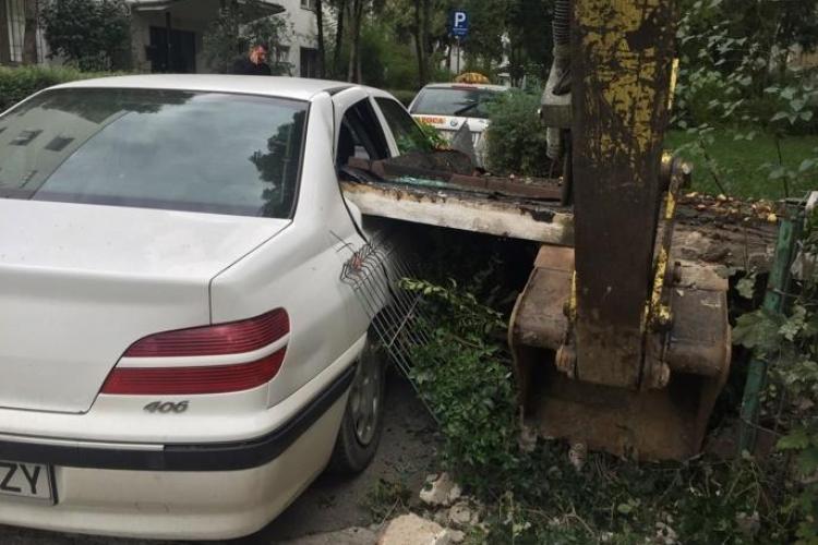 Ce a mai LUCRAT Dorel de Cluj! A distrus o mașină parcată - FOTO