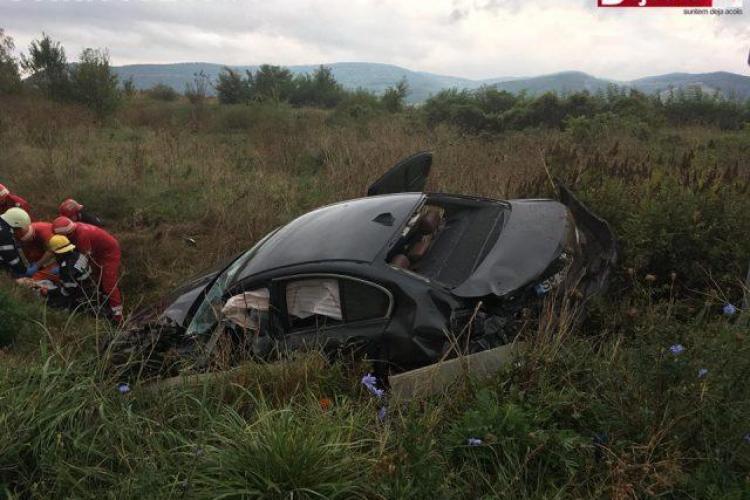 CLUJ: Accident cu trei mașini! Șoferița unui BMW a ajuns în stare gravă la spital