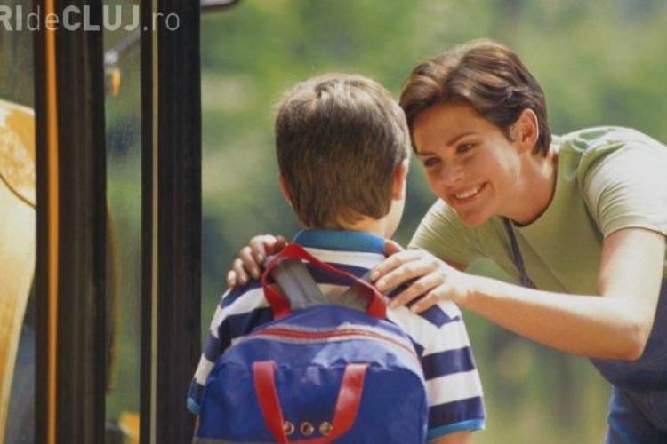 Şi-a lăsat copilul la şcoală şi apoi a ajuns pe mâna poliţiei pentru FAPTA ei