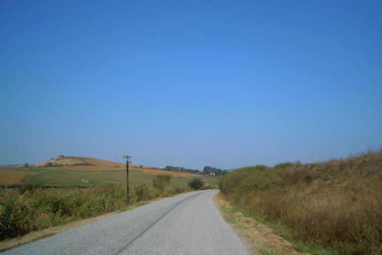 Se asfaltează drumul judeţean Geaca - Sucutard - Ţaga - FOTO