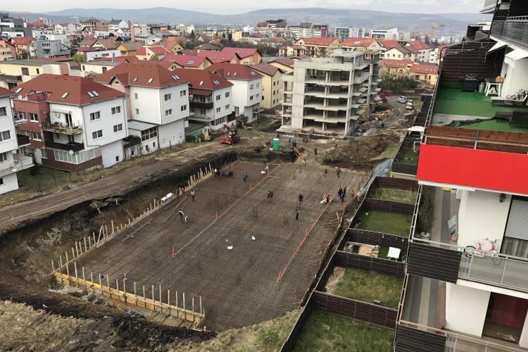 Noi reclamații din cartierul Bună Ziua: Se surpă grădinile din Bonjour Residence - VIDEO/ UPDATE - POZIȚIA CONSTRUCTORULUI