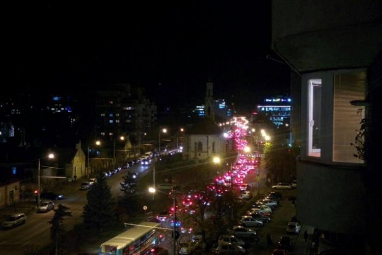 """Mărăștiul este blocat de mașini. Începe """"coșmarul"""" de Luminație? - FOTO"""