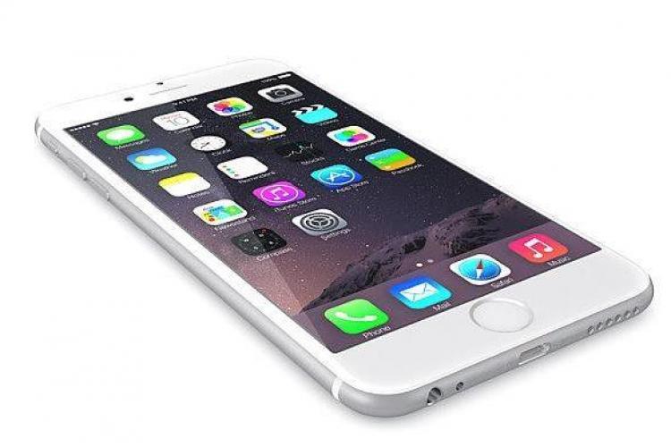 O femeie le-a cerut amanților ei, 20 la număr, câte un iPhone 7. Incredibil ce a făcut apoi