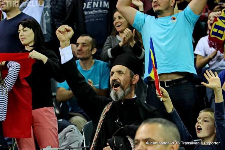 Povestea preotului din Ticu (județul Cluj), suporterul numărul 1 al handbalului românesc - FOTO