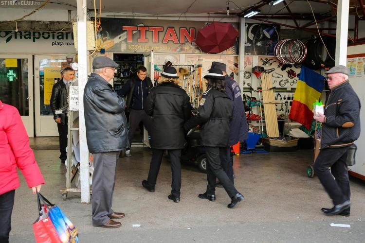 Razie în Piața Mărăști. S-au dat amenzi în HAOSUL existent acolo - FOTO