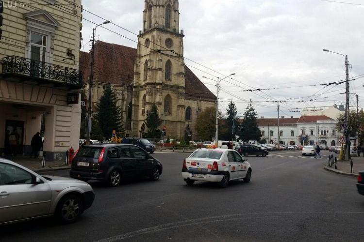 Curentul picat în centrul Clujului. Nu merg semafoarele și nici în parcare nu se poate intra FOTO