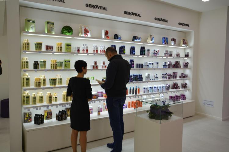 Clujenii de la Farmec deschid un magazin nou la Arad FOTO (P)