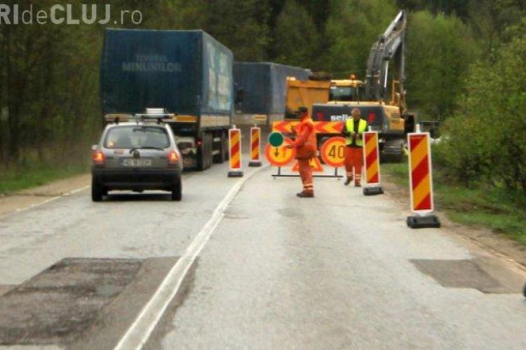 Traficul rutier pe Valea Oltului, închis duminică