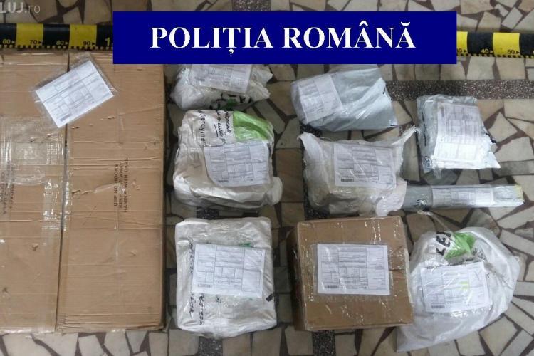 Cum își distribuie vânzătorii de petarde de la Cluj marfa în toată țara. Polițiștii au confiscat articole pirotehnice de peste 10.000 lei FOTO