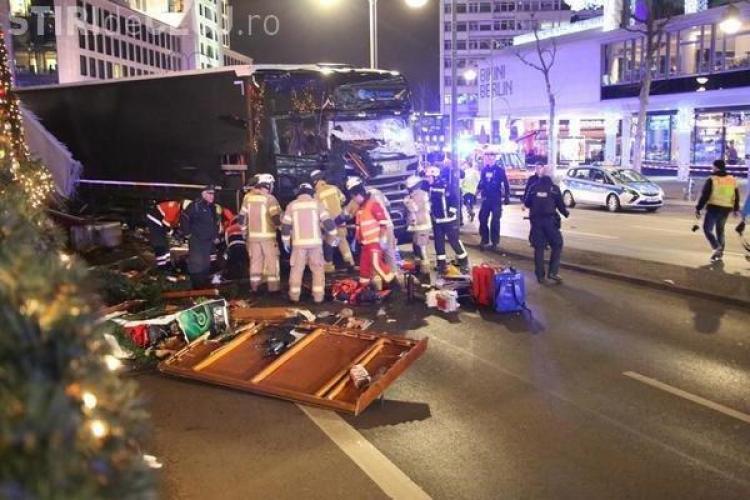 Atac la Berlin! Un atacator a intrat cu un camion în mulțimea de la un târg de Crăciun