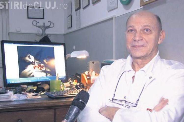 Un chirurg din Cluj marginalizat în România din cauza vârstei, a ajuns în Ungaria șeful unui program național