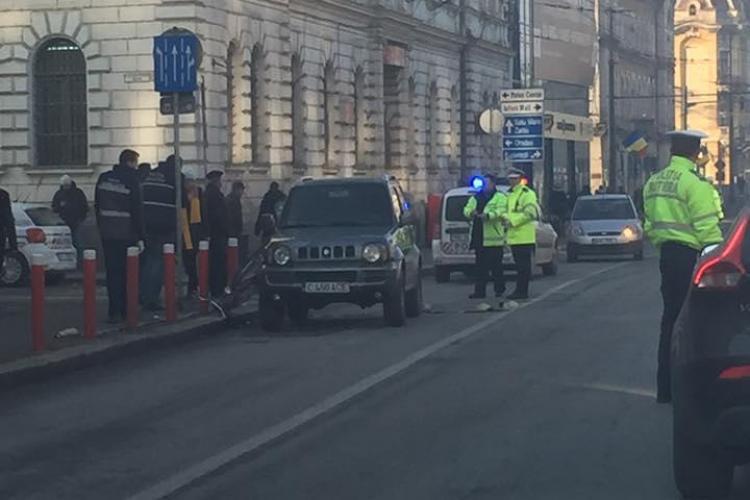 Cluj - O biciclistă a fost rănită GRAV pe Regele Ferdinand. A riscat cu inconștiență - VIDEO LIVE
