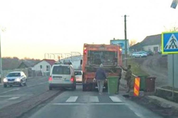 În Feleacu, șoferii sunt forțați să treacă peste borduri. Lucrările au fost făcute fără cap - FOTO