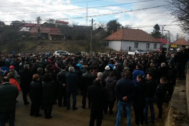 Protest în Feleacu! Localnicii circulă foarte încet în semn de protest