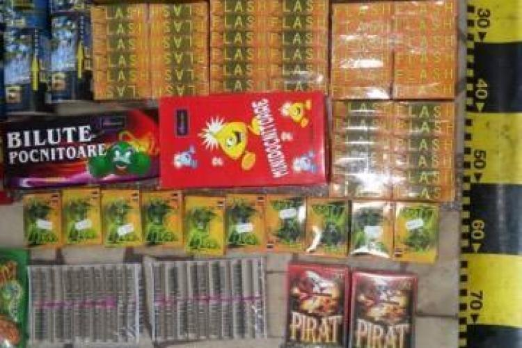 O nouă razie la comercianții de petarde din Cluj. Oamenii legii au confiscat peste 11.000 de articole pirotehnice FOTO